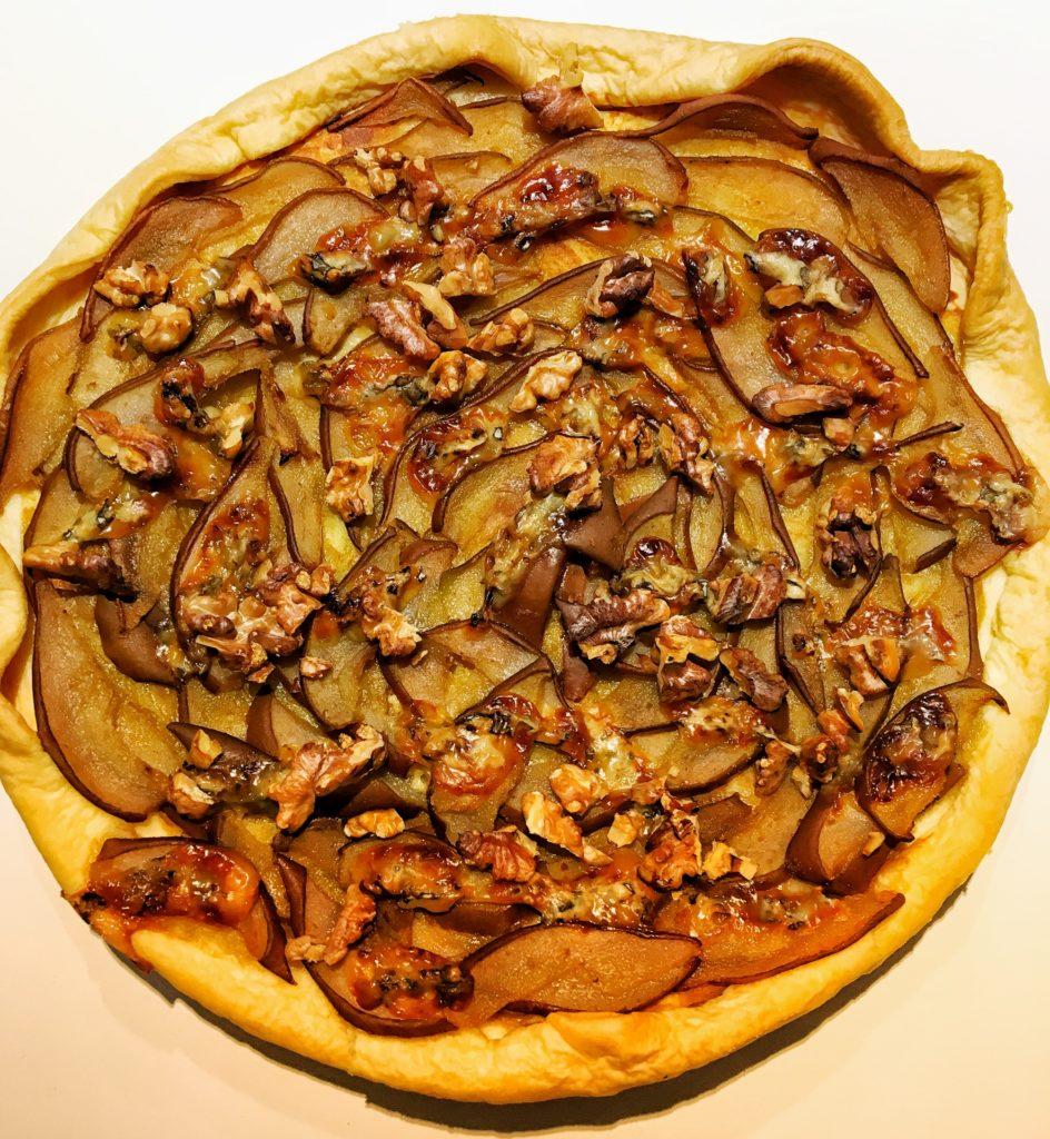 Tarte aux poires, noix et fourme d'ambert
